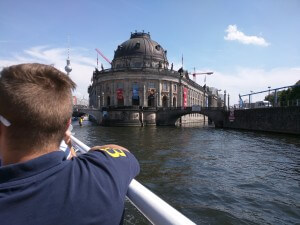 Spreefahrt an der Museumsinsel vorbei